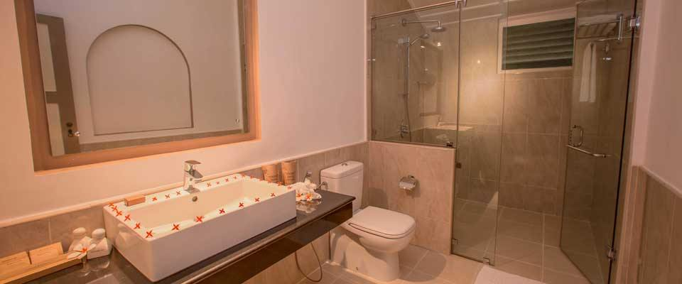The attached bathroom of the Classic Rooms