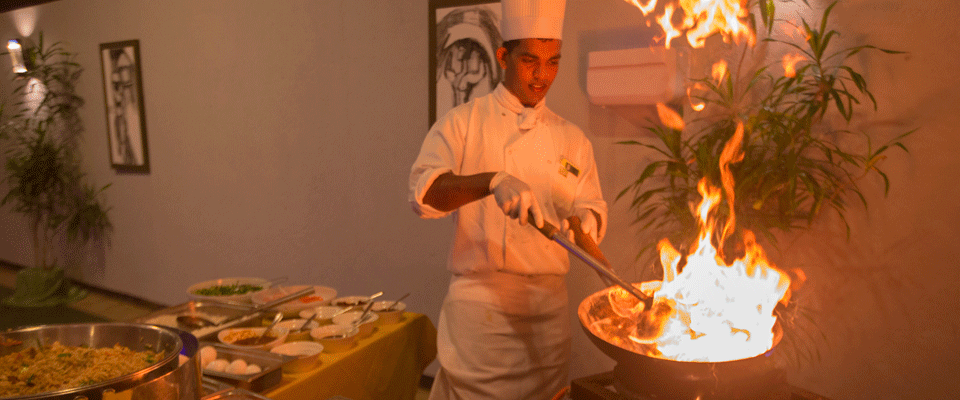 Display cooking at The Palms